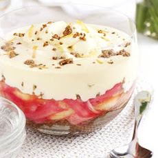 Rhubarb, Apple & Ginger Crunch Trifle