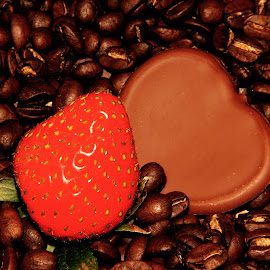 Strawberry and chocolate  by Anka Alstad - Food & Drink Candy & Dessert ( chocolate, coffee, coffeebeans, strawberry, norway )