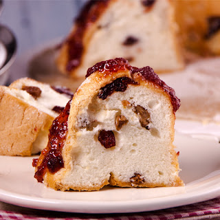 White Bundt cake with dry fruits
