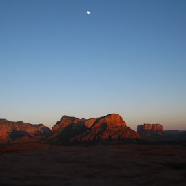 Sedona Arizona  by Sophie Graham - Travel Locations Landmarks