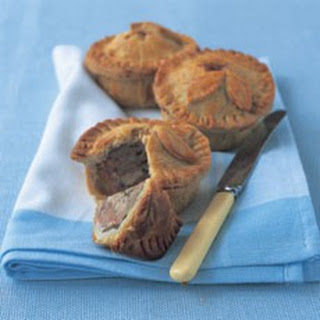 Old-fashioned Raised Pork Pies