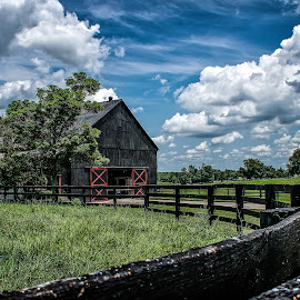 Kentucky Barn by Paulo Peres - Buildings & Architecture Other Exteriors ( doors, clouds, farm, fence, barn, kentucky )