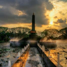 Tugu Malang (2) by Randi Pratama M - Buildings & Architecture Statues & Monuments ( statue, monument,  )