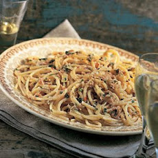 Pasta with Tuna and Bread Crumbs (Pasta con Tonno e Briciole)