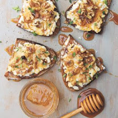 Goat Cheese Toasts with Walnuts, Honey and Thyme
