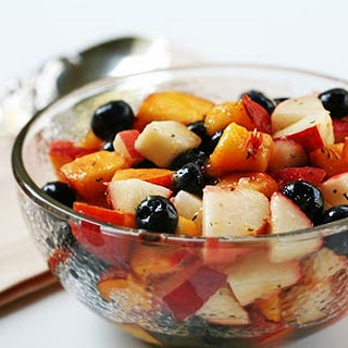 Blueberry Peach Fruit Salad with Thyme