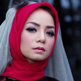 by Fais Nahdi - People Fashion (  )