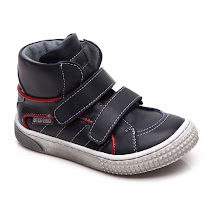 Step2wo Sanjo - Two Strap Trainer BOOT