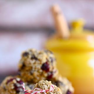 Chocolate Chip Quinoa Trail Mix Balls