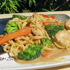 Chicken & Pasta in Peanut Sauce