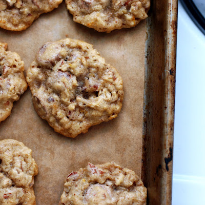 Oatmeal, Chocolate Chip and Pecan Cookies