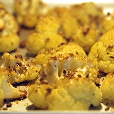Oven-roasted Cauliflower with Garlic and Coriander