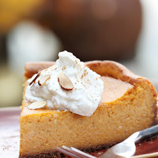 Pumpkin Cheesecake w/ Graham Cracker Crust