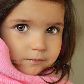 brown eyes by Julian Markov - Babies & Children Child Portraits (  )