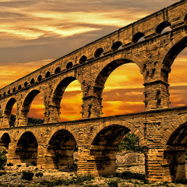 SUNSET ON PONT DU GARD by Gianluca Presto - Buildings & Architecture Public & Historical ( arch, romano, archi, architecture, acquedotto, pont, historic, antico, ponte, colourful, sky, ancient, aqueduct, francia, storico, sunset, arches, nimes, france, bridge, tramonto, roman,  )