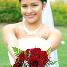 Bride with Flower by Yamin Tedja - Wedding Bride ( rose, wedding, bride, flower )