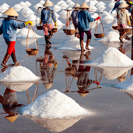Salt's Life in Vietnam by Lư Quyền - People Group/Corporate