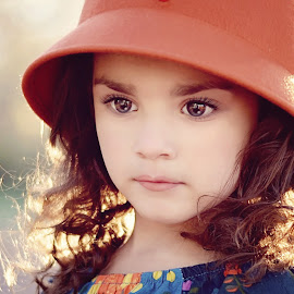 Autumn Girl by Darya Morreale - Babies & Children Child Portraits ( girl, beautigul eyes, fall, curly hair, hat )