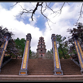 Thien Mu pagoda by Dungrau FôTô - Buildings & Architecture Other Exteriors
