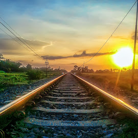 Spoor by Randi Pratama M - Instagram & Mobile Android ( sunset )