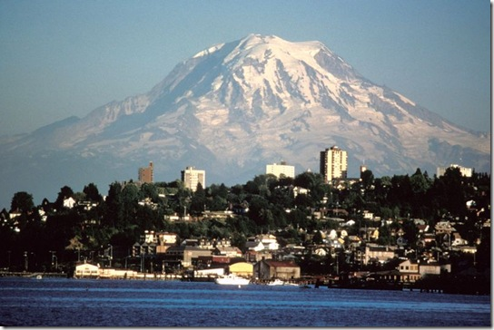 800px-mount_rainier_over_tacoma[1]