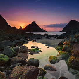 Between the Rocks by Jose Hamra - Landscapes Sunsets & Sunrises ( slowspeed, sunset, semeti, beach, sunrise, rocks )