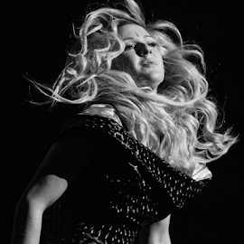 Ellie Goulding by Paul Keeling - News & Events Entertainment ( music, lights, o2, ireland, dublin, musician, ellie goulding )
