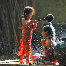 mandi pancuran by Deny Satria - Babies & Children Children Candids ( indonesian, village, fountain, children, shower, traditional )