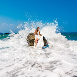 by Alexander Hadji - Wedding Other ( splash, wedding, greece, weave, bride )