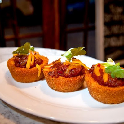 Chili and Cornbread Cups