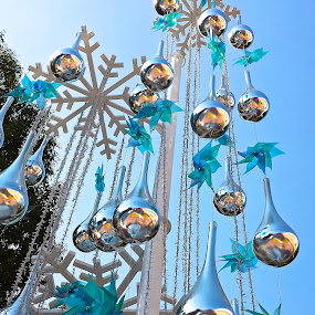BLUE CHRISTMAS by Jose Mata - Public Holidays Christmas