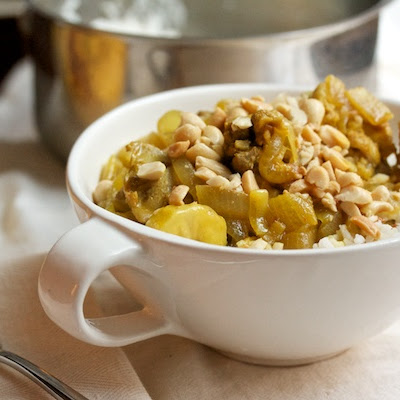 Chicken Curry with Banana, Raisins, and Peanuts