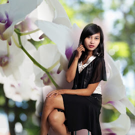 Anny 2 by Hendrata Wibisana - Novices Only Portraits & People