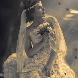 Vintage by Patrick Pak - Wedding Bride ( #marriage, #bride, #vintage, #wedding, #beautiful bride )