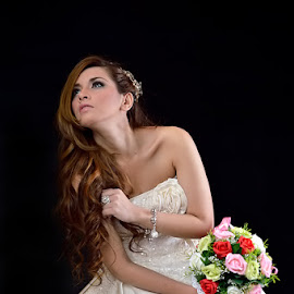 Flower for you by Roby Tirtawidjaja - Wedding Bride