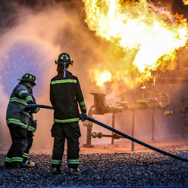 Natural Gas Live Burn Drill by Dave Dabour - News & Events Disasters ( 98 fire, live burn, warren county, sfd, mnatural gas )