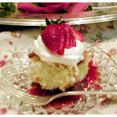 Strawberry Shortcut Cake