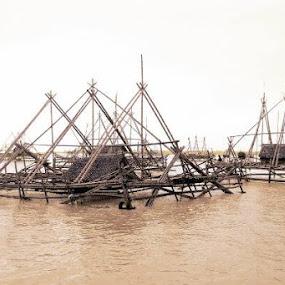 keramba ikan by Dwi Ratna Miranti - Buildings & Architecture Bridges & Suspended Structures