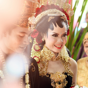 Happinest Day by Juang Rahmadillah - Wedding Ceremony ( wedding, indonesia, javanese, gown, traditional, ceremony, nikon, portrait )