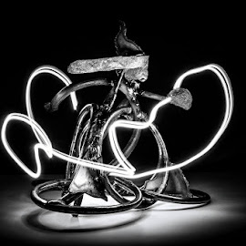 Sculpture by Zoë. by Trent Eades - Abstract Light Painting