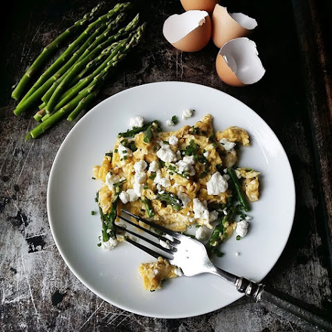 Perfect Scrambled Eggs with Asparagus, Goat Cheese and Chives