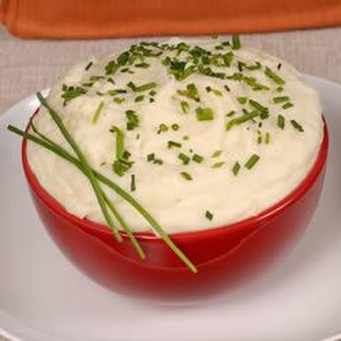 Roasted Garlic Mashed Potatoes with Chives
