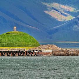 by Bergljót Guðmundsdóttir - Buildings & Architecture Statues & Monuments
