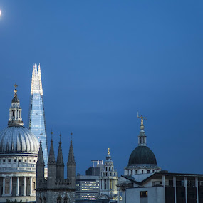 St. Paul, The Shard, The old Bailey by Claudiu Bichescu - Buildings & Architecture Places of Worship ( the shard, full moon, st.paul, old bailey )