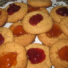 Quick and Easy Peanut Butter and Jelly Cookies