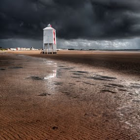 Storm approaching Burnham by Nick Holland - Landscapes Weather