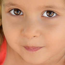 eye reflections  by Julian Markov - Babies & Children Child Portraits ( ofera )