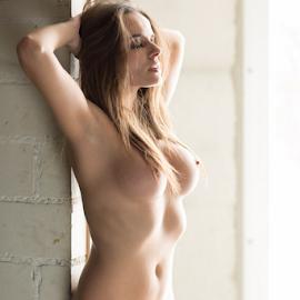 joana by Reto Heiz - Nudes & Boudoir Artistic Nude ( nude, indoor, relax, on location, nudeart, enjoy, daylight )