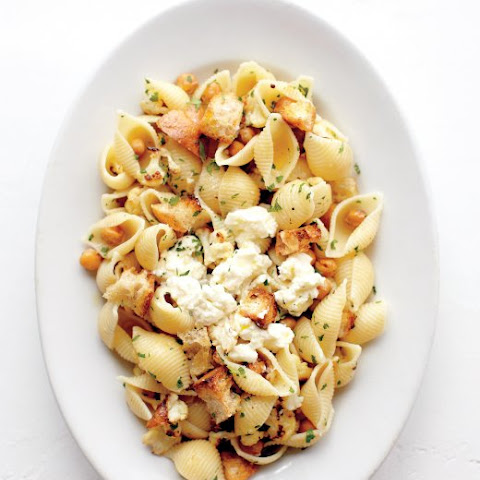 Shells with Roasted Cauliflower, Chickpeas, and Ricotta