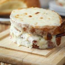 Croque-Monsieur (Toasted Ham & Cheese Sandwich)